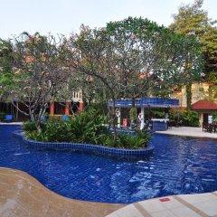 Отель Hyton Leelavadee Phuket бар у бассейна