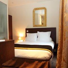 Queens Hotel 3* Улучшенный номер с двуспальной кроватью