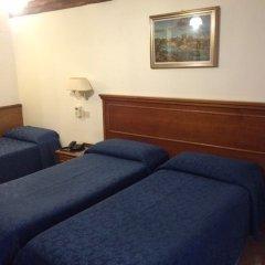Отель Albergo Del Sole Al Biscione 3* Стандартный номер с различными типами кроватей фото 2
