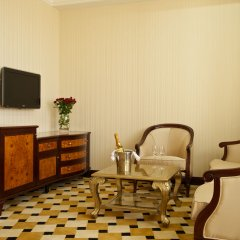Гостиница Royal Tulip Almaty комната для гостей фото 8