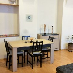 Апартаменты Apartments Tynska 7 Прага комната для гостей
