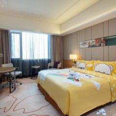Отель Holiday Inn Chengdu Oriental Plaza 4* Улучшенный номер с различными типами кроватей