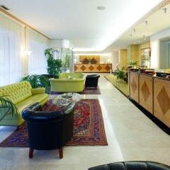 Qualys Hotel Nasco вестибюль
