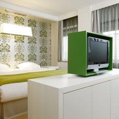 Отель NH Amsterdam Zuid 4* Стандартный номер с различными типами кроватей фото 5
