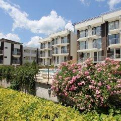 Апартаменты New Line Village Apartments сад