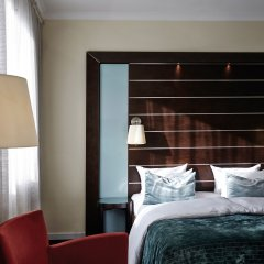 Imperial Hotel 4* Улучшенный номер с двуспальной кроватью
