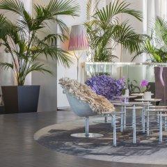 Отель Radisson Blu 1835 Hotel & Thalasso, Cannes Франция, Канны - 2 отзыва об отеле, цены и фото номеров - забронировать отель Radisson Blu 1835 Hotel & Thalasso, Cannes онлайн бассейн