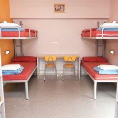 Barcelona Pere Tarrés Hostel Кровать в мужском общем номере с двухъярусной кроватью фото 2