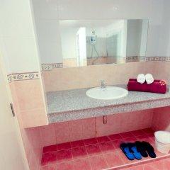 Отель Kamala Sea View раковина ванной комнаты