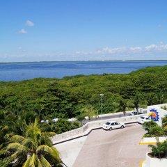Отель Solymar Cancun Beach Resort вид на улицу