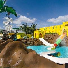 Отель Crown Paradise Club Cancun - Все включено Мексика, Канкун - 10 отзывов об отеле, цены и фото номеров - забронировать отель Crown Paradise Club Cancun - Все включено онлайн водная горка