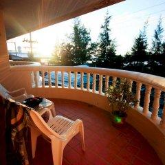 Отель Kamala Sea View терраса/патио