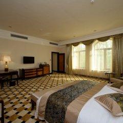 Гостиница Royal Tulip Almaty комната для гостей фото 9