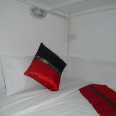 Panda Hostel Phuket - Adults Only Кровать в общем номере с двухъярусной кроватью