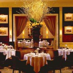 The Carlyle, A Rosewood Hotel Нью-Йорк ресторан