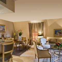 Отель Warwick Brussels 5* Люкс Royal с двуспальной кроватью