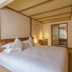 Отель Hangzhou Wushan Ju 3* Номер Делюкс с различными типами кроватей