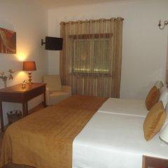 Hotel Louro 3* Улучшенный номер двуспальная кровать