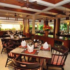 Отель Hyton Leelavadee Phuket ресторан