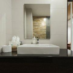 M.U.DEN Patong Phuket Hotel раковина ванной комнаты