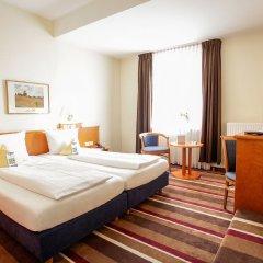 Best Western Ambassador Hotel 3* Стандартный семейный номер с двуспальной кроватью