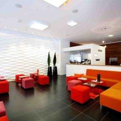 Expo Hotel Barcelona вестибюль