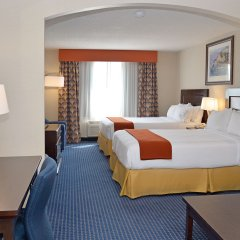 Holiday Inn Express Hotel & Suites Hinton 2* Стандартный номер с различными типами кроватей фото 3