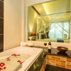 Tanawan Phuket Hotel 3* Номер Делюкс с различными типами кроватей фото 4