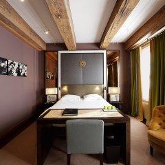 Отель The Dylan Amsterdam Номер Делюкс с различными типами кроватей