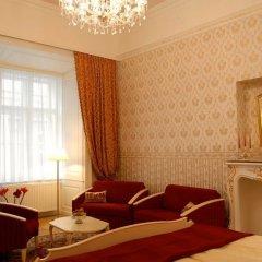 Pertschy Palais Hotel 4* Стандартный семейный номер с двуспальной кроватью