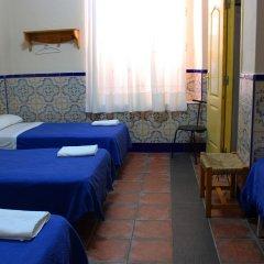 Отель Pensión Lisdos Кровать в общем номере с двухъярусной кроватью
