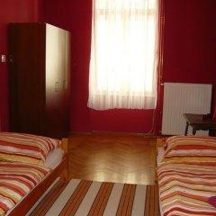 Boomerang Hostel and Apartments Стандартный номер с различными типами кроватей