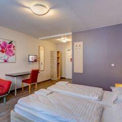 MEININGER Hotel Vienna Central Station 3* Стандартный номер с двуспальной кроватью