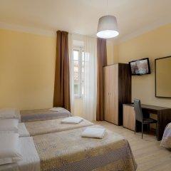 Hotel Basilea 3* Стандартный семейный номер с двуспальной кроватью
