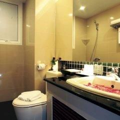 Отель The Kris Residence ванная