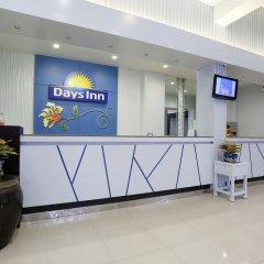 Отель Days Inn by Wyndham Patong Beach Phuket ресепшен