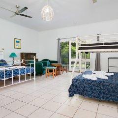 Отель Daintree Wild Zoo & Bed and Breakfast 3* Стандартный семейный номер с двуспальной кроватью