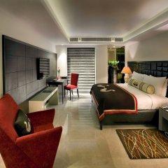 Отель The LaLiT New Delhi 5* Люкс с различными типами кроватей