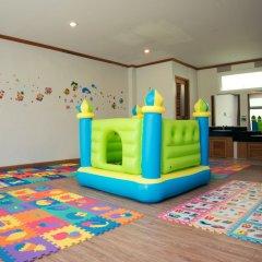 Phuket Island View Hotel закрытая детская игровая площадка