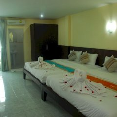 Отель Patong Palm Guesthouse комната для гостей фото 14