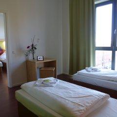 H+ Hotel 4 Youth Berlin Mitte 2* Стандартный семейный номер с двуспальной кроватью