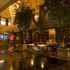 Отель Conrad Centennial Singapore внутренний интерьер