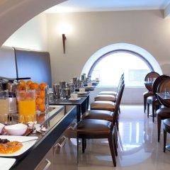 Отель c-hotels Fiume место для завтрака фото 2