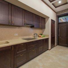 Гостиница Вилла Bridge Mountain кухня в номере
