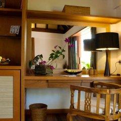 Отель Gangehi Island Resort 4* Вилла с различными типами кроватей фото 5