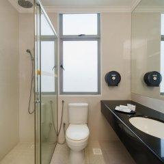 Отель New Cape Inn 2* Стандартный семейный номер с двуспальной кроватью
