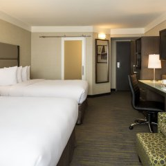 Отель Saskatoon Inn 3* Стандартный номер с 2 отдельными кроватями