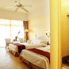 Sanya Golden Phoenix Sea View Hotel 4* Стандартный номер с различными типами кроватей