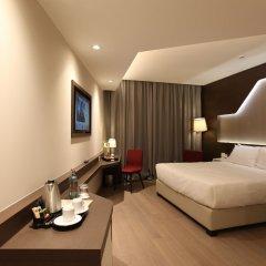 DoubleTree by Hilton Hotel Yerevan City Centre 4* Номер Делюкс