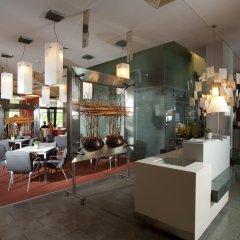 Отель Holiday Inn Congress Center Прага гостиничный бар